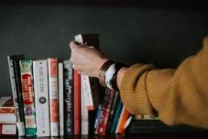 Doanh nhân đọc sách