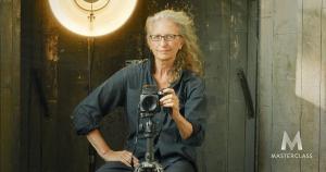 Annie Leibovitz: vẽ nhân vật qua ống kính