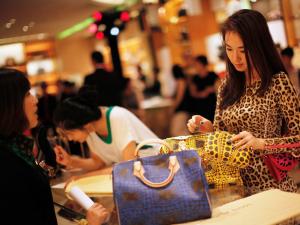 """Phú nhị đại Trung Quốc: Nhà giàu cũng """"rét""""!"""