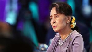 Điều gì đã xảy ra với tượng đài dân chủ Aung San Suu Kyi?